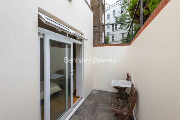 Studio flat to rent in St Stephens Gardens, Notting Hill Gate, W2-image 5