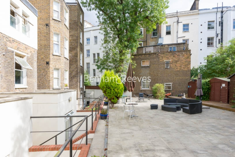 Studio flat to rent in St Stephens Gardens, Notting Hill Gate, W2-image 6