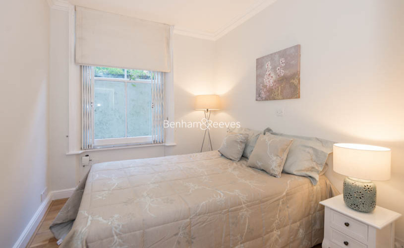 3 bedroom(s) flat to rent in Pitt Street, Kensington, W8-image 10