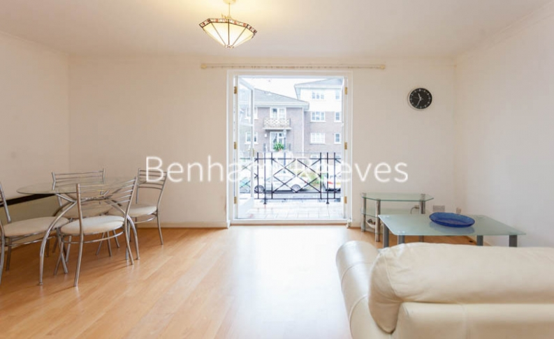 Studio flat to rent in Brompton Park Crescent, Kensington, SW6-image 10