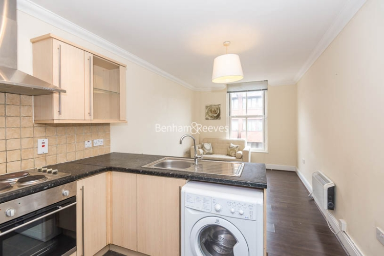 2 bedroom(s) flat to rent in Earl's Court Road, Earl's Court, SW5-image 2
