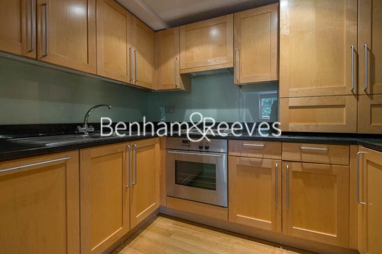 1 bedroom(s) flat to rent in Kensington Square, Kensington, W8-image 2