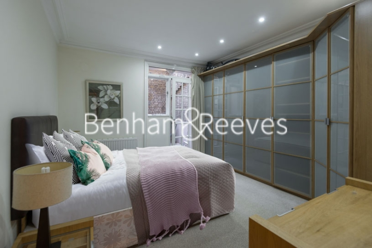 1 bedroom(s) flat to rent in Ashburn Gdns, Kensington, SW7-image 3