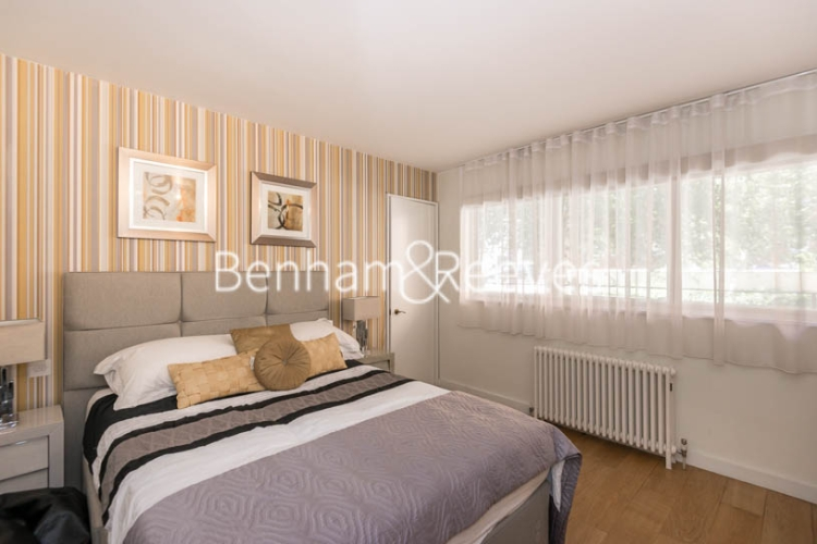 1 bedroom(s) flat to rent in Palace Gate, Kensington, W8-image 3