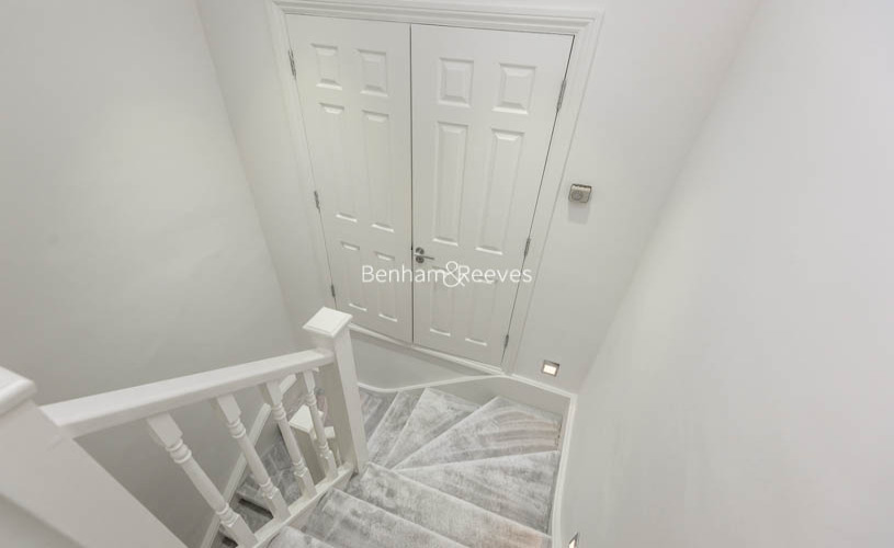 3 bedroom(s) flat to rent in Lexham Gardens, Kensington, W8-image 13