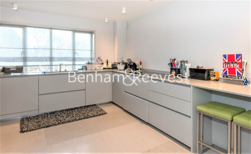3 bedroom(s) flat to rent in Addison Road, Holland Park, W14-image 2