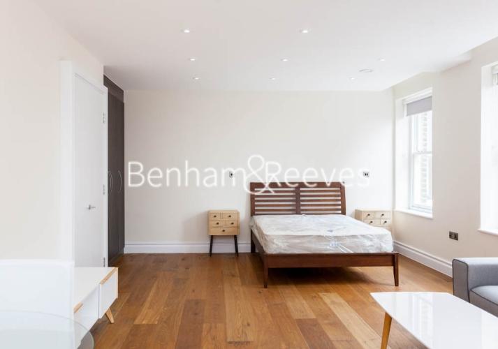 Studio flat to rent in Kensington High Street, Kensington, W8-image 3