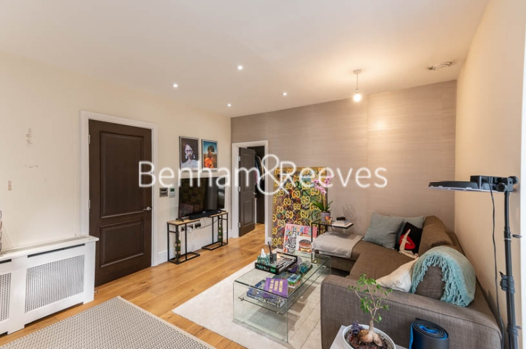 1 bedroom(s) flat to rent in Kensington High Street, Kensington, W8-image 6