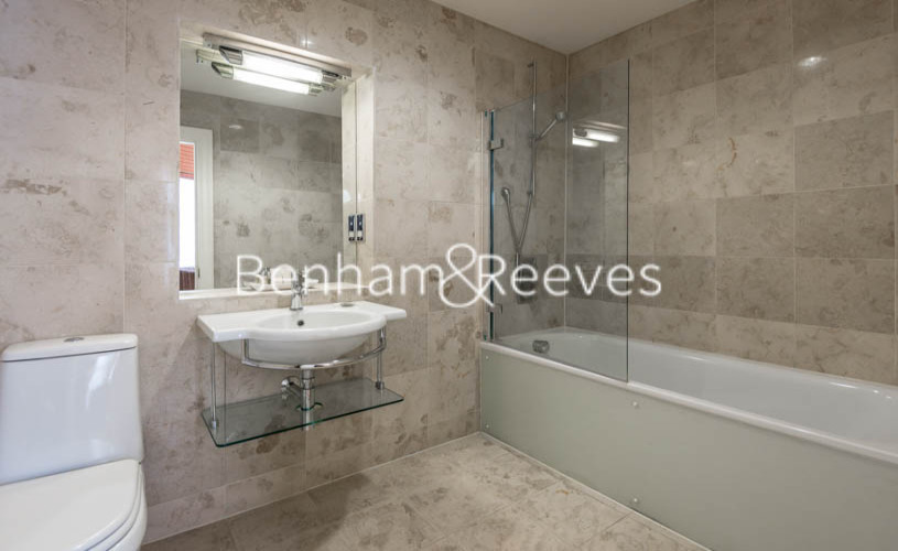 3 bedroom(s) flat to rent in Prince of Wales Terrace, Kensington, London W8-image 4