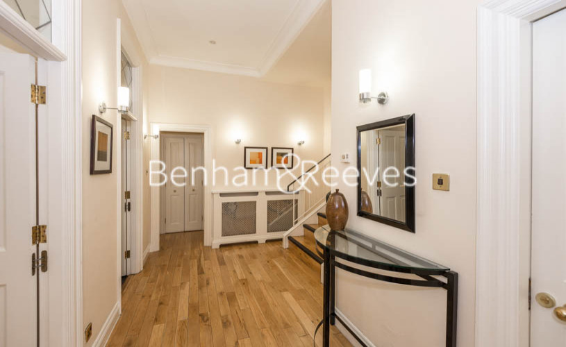 3 bedroom(s) flat to rent in Prince of Wales Terrace, Kensington, London W8-image 9