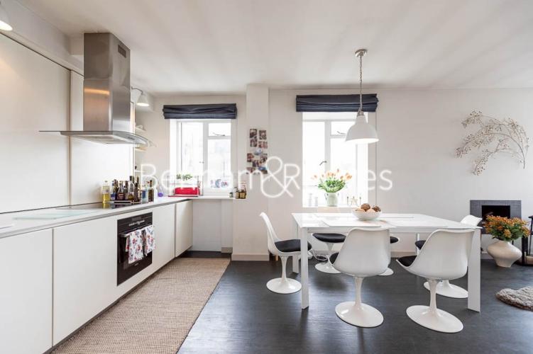 2 bedroom(s) flat to rent in Elvaston Place, London, SW7-image 2