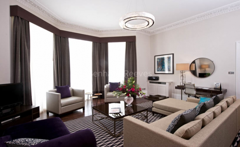 3 bedroom(s) flat to rent in Stanhope Gardens, Kensington, SW7-image 1