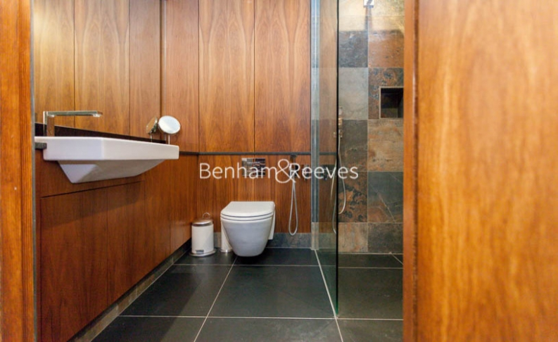 3 bedroom(s) flat to rent in Kensington Green, Kensington, W8-image 5