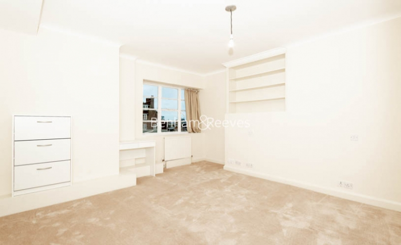 3 bedroom(s) flat to rent in Winchester Court, Vicarage Gate, W8-image 3