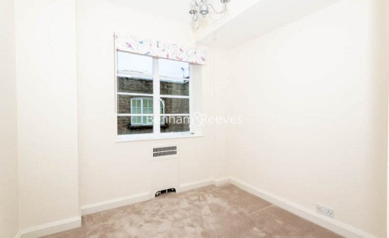 3 bedroom(s) flat to rent in Winchester Court, Vicarage Gate, W8-image 7