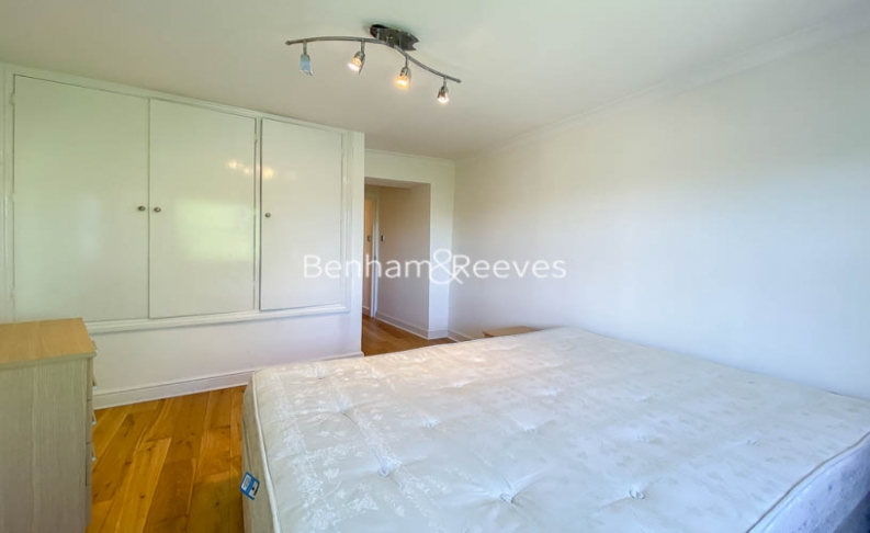 2 bedroom(s) flat to rent in Cromwell Crescent, Earls Court, SW5-image 3