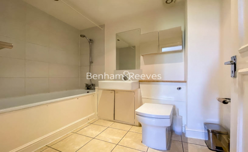 2 bedroom(s) flat to rent in Cromwell Crescent, Earls Court, SW5-image 5
