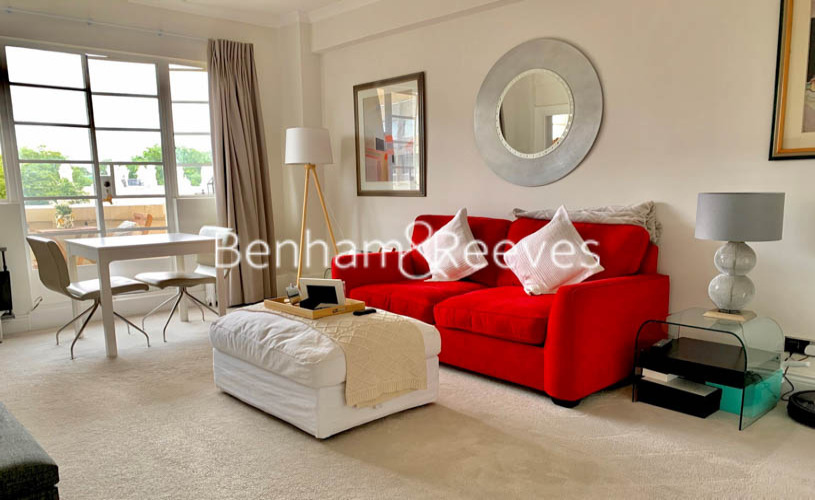 Studio flat to rent in Palace Gardens, Notting Hill, W8-image 1