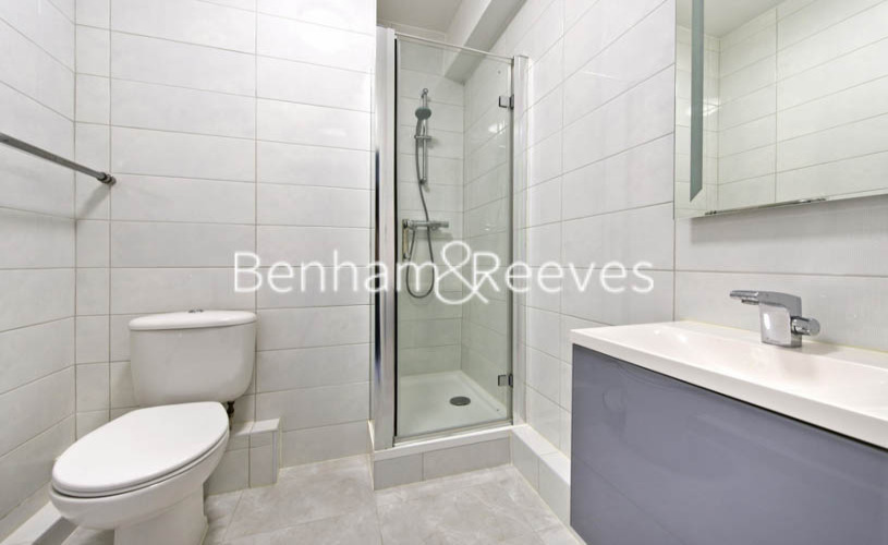 Studio flat to rent in Palace Gardens, Notting Hill, W8-image 3