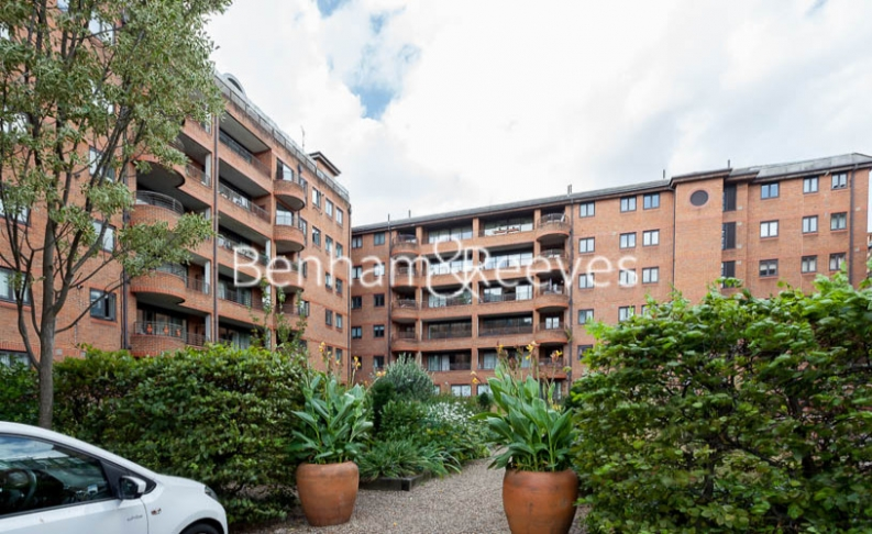 2 bedroom(s) flat to rent in Huntsmore House, Pembroke Road, W8-image 7