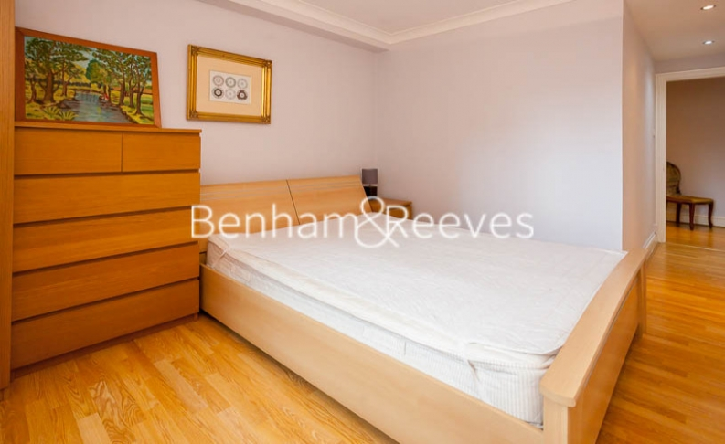 2 bedroom(s) flat to rent in Huntsmore House, Pembroke Road, W8-image 11
