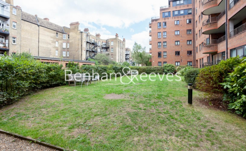 2 bedroom(s) flat to rent in Huntsmore House, Pembroke Road, W8-image 15