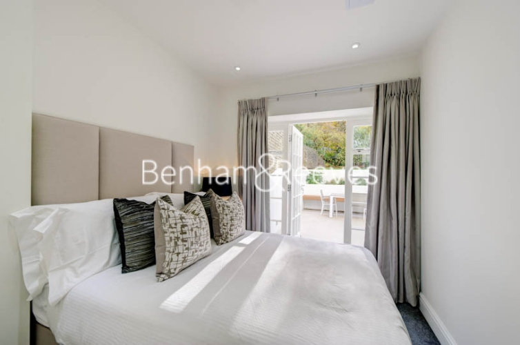 4 bedroom(s) flat to rent in Lexham Gardens, Kensington, W8-image 12