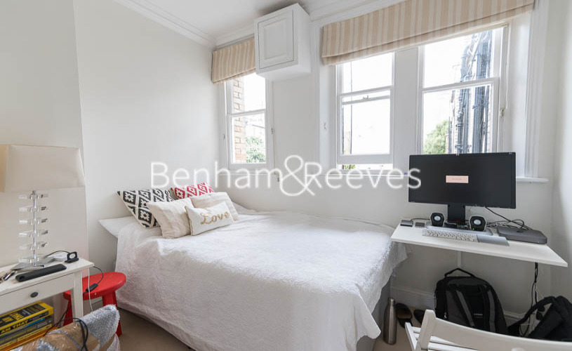 3 bedroom(s) flat to rent in Pitt Street, Kensington, W8-image 15