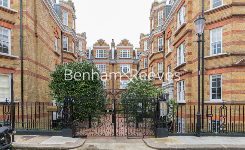3 bedroom(s) flat to rent in Pitt Street, Kensington, W8-image 17