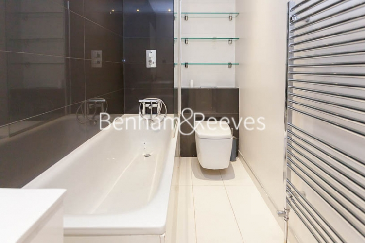 3 bedroom(s) flat to rent in Kensington Court Mansions, Kensington, W8-image 4