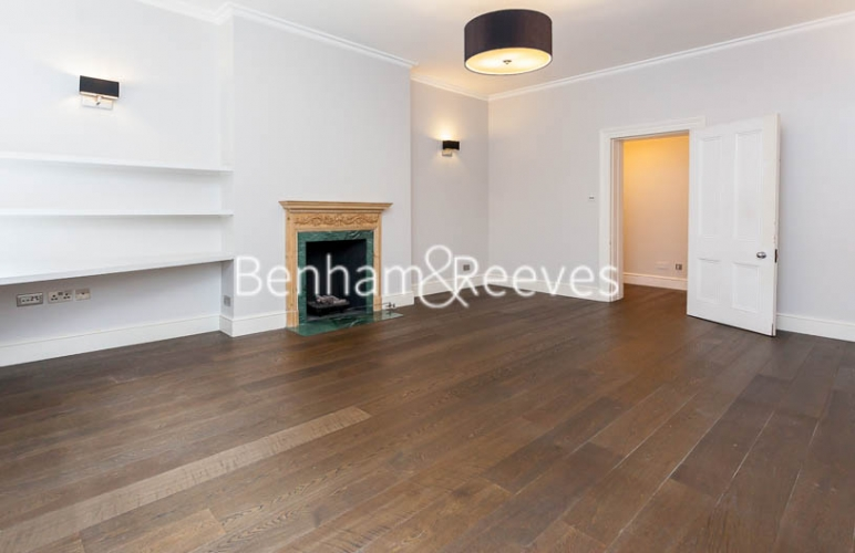 3 bedroom(s) flat to rent in Kensington Court Mansions, Kensington, W8-image 11