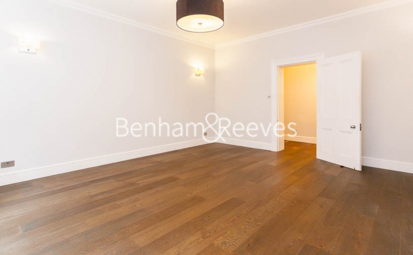 3 bedroom(s) flat to rent in Kensington Court Mansions, Kensington, W8-image 12