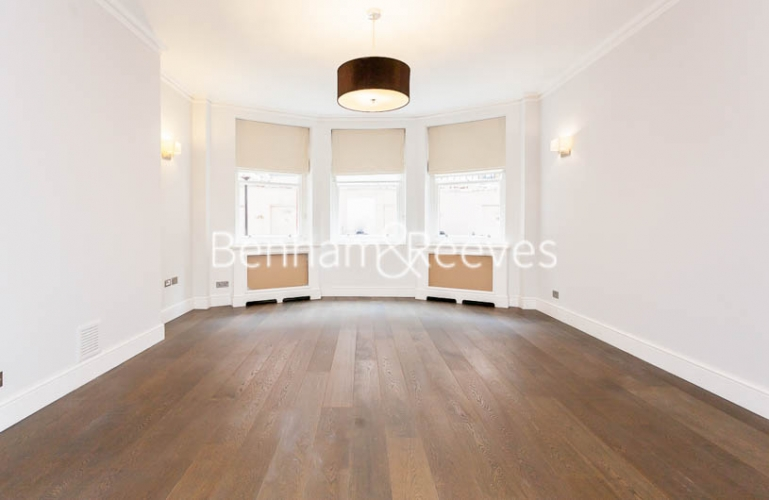 3 bedroom(s) flat to rent in Kensington Court Mansions, Kensington, W8-image 17
