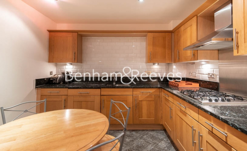 2 bedroom(s) flat to rent in Beckford Close, Kensington, W14-image 2