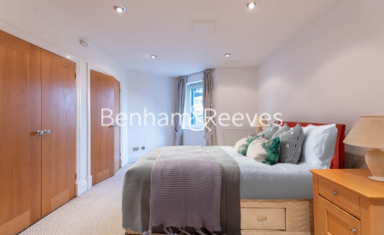 2 bedroom(s) flat to rent in Beckford Close, Kensington, W14-image 9