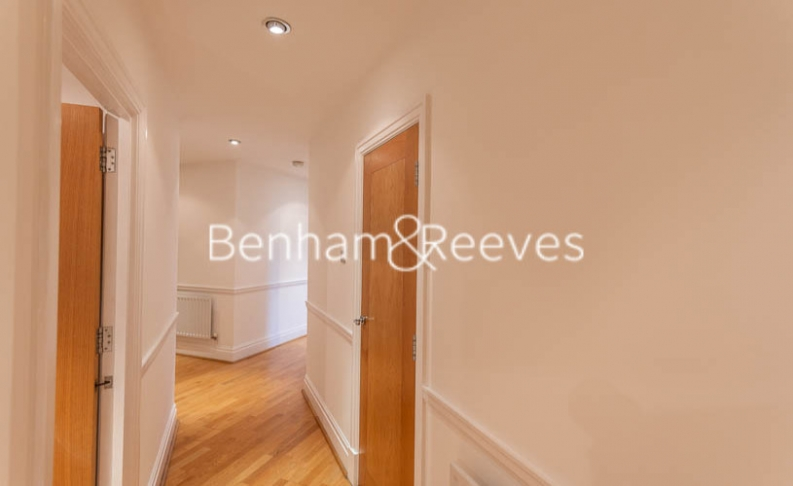 2 bedroom(s) flat to rent in Beckford Close, Kensington, W14-image 17