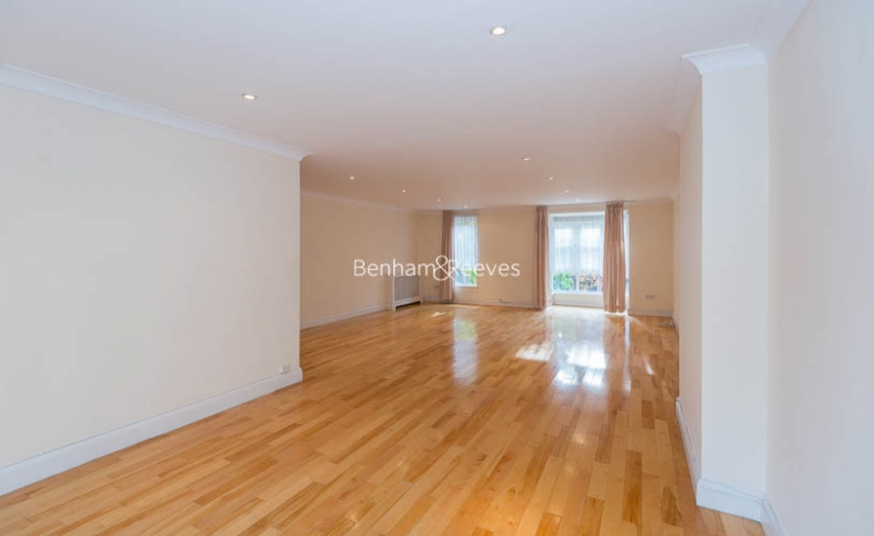 4 bedroom(s) house to rent in Windsor Way, West Kensington, W14-image 2