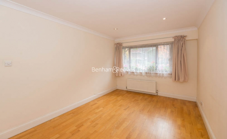 4 bedroom(s) house to rent in Windsor Way, West Kensington, W14-image 4