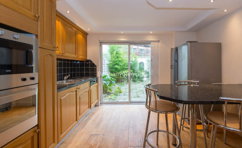 4 bedroom(s) house to rent in Windsor Way, West Kensington, W14-image 6