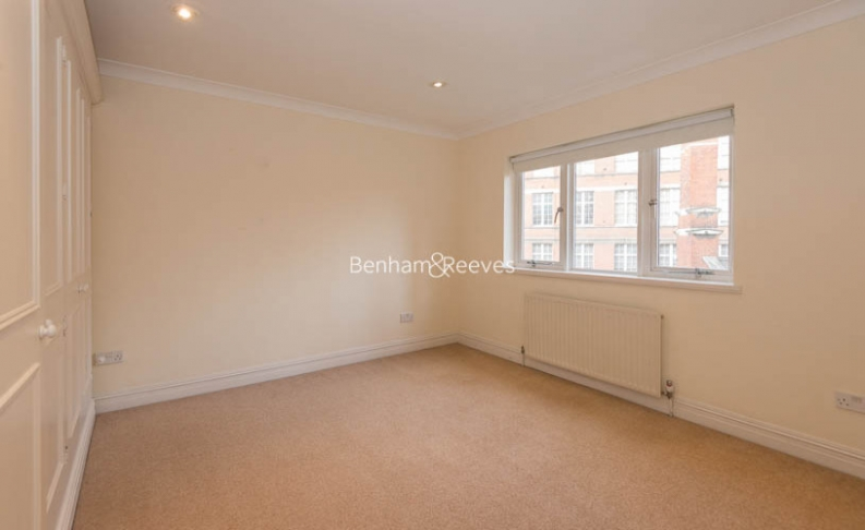 4 bedroom(s) house to rent in Windsor Way, West Kensington, W14-image 7