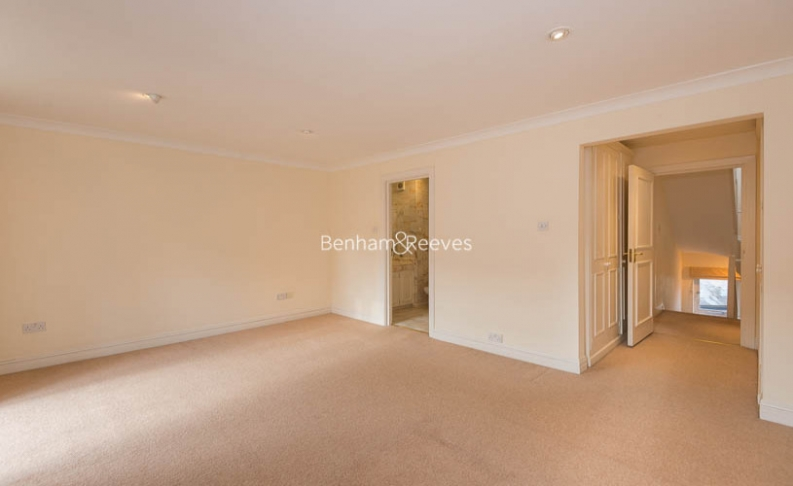 4 bedroom(s) house to rent in Windsor Way, West Kensington, W14-image 9