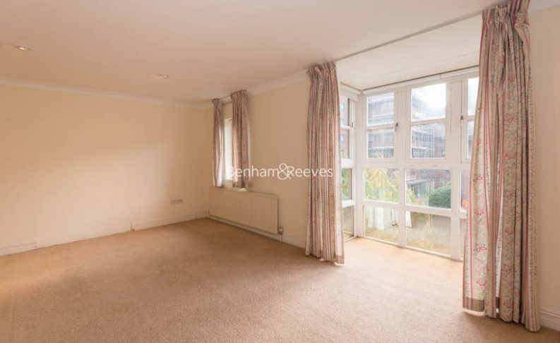 4 bedroom(s) house to rent in Windsor Way, West Kensington, W14-image 11