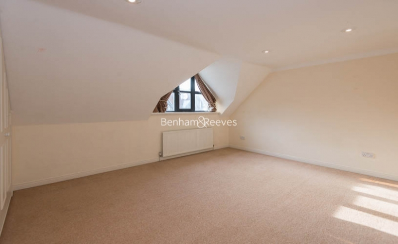 4 bedroom(s) house to rent in Windsor Way, West Kensington, W14-image 12