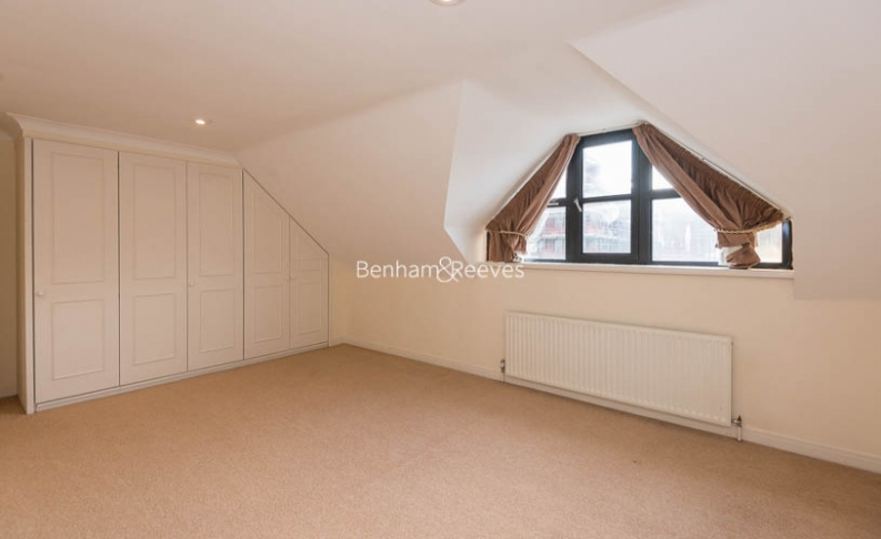 4 bedroom(s) house to rent in Windsor Way, West Kensington, W14-image 13