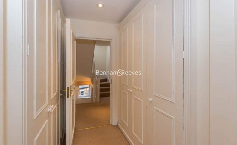 4 bedroom(s) house to rent in Windsor Way, West Kensington, W14-image 14