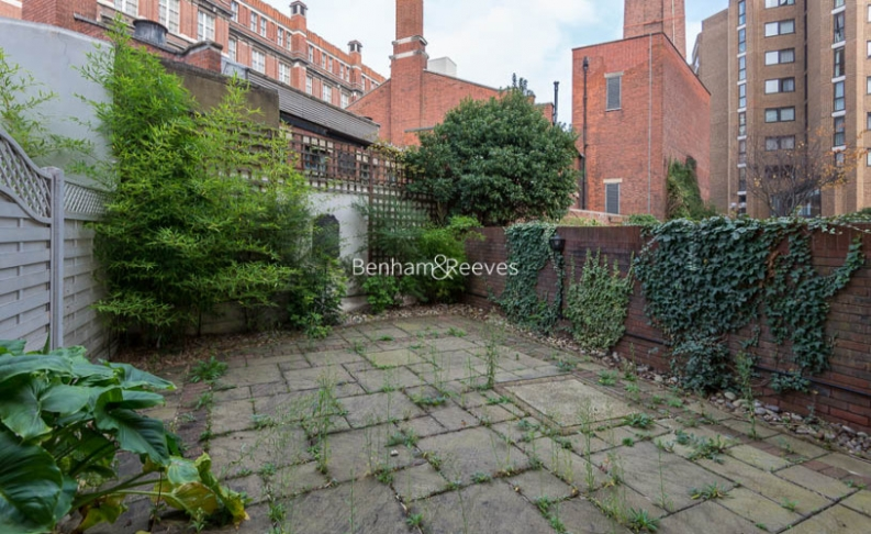 4 bedroom(s) house to rent in Windsor Way, West Kensington, W14-image 16