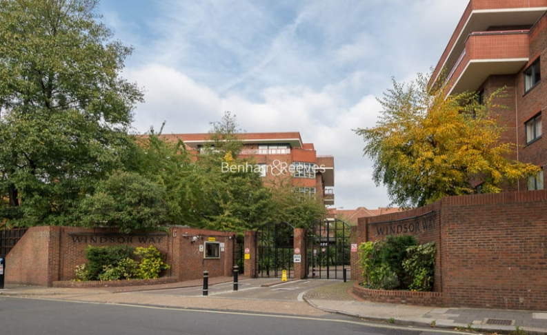 4 bedroom(s) house to rent in Windsor Way, West Kensington, W14-image 19
