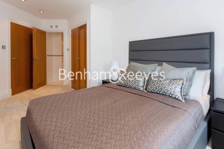 2 bedroom(s) flat to rent in Warren House, West Kensington, W14-image 3