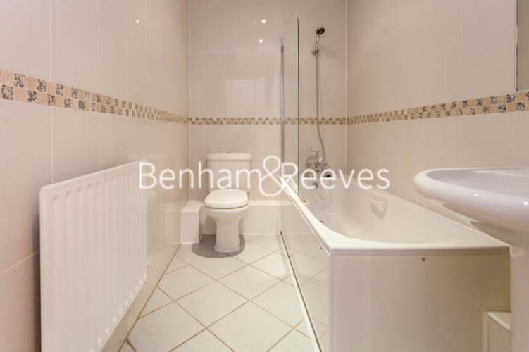 2 bedroom(s) flat to rent in Warren House, West Kensington, W14-image 4