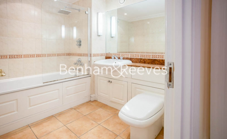 2 bedroom(s) flat to rent in Regent Court, Wrights Lane, W8-image 4